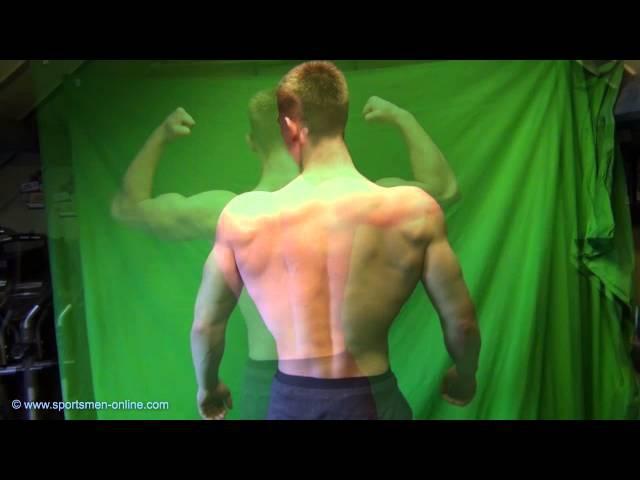 18yo Rens flexing his muscles
