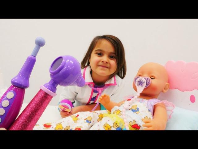 Bebek Emilynın dişleri geliyor! Maşanın oyuncakları