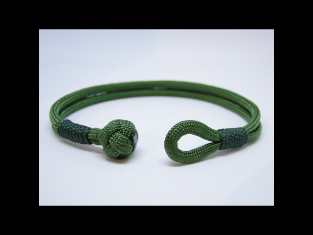 How to Make a Diamond Knot and Loop Closure/Common Whipping Knot Paracord Survival Bracelet