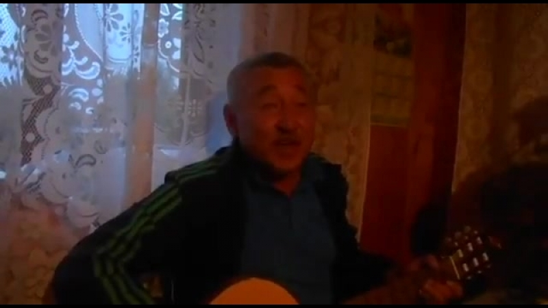 Мужик классно поёт