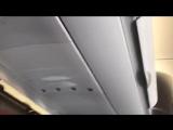 Ребенок орет в самолете, потому что ему не включили интернет