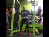 Кевин Оук - присед 350 кг на 3