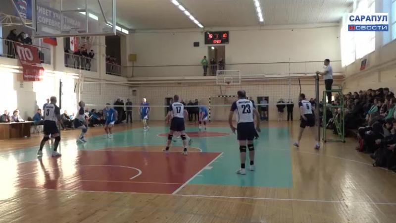 В Сарапуле прошел республиканский турнир по волейболу среди мужских команд памяти Владимира Дробыша