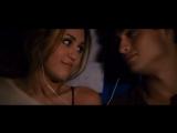 поцелуй в плечо.как это мило девушка парень фильм лол страсть романтика красиво приятно прекрасно