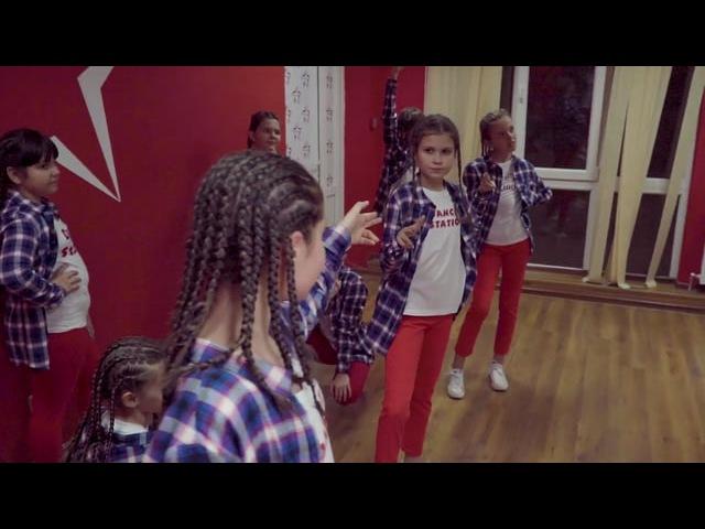 DanceSTATION / ZAVÓDNIK film studio