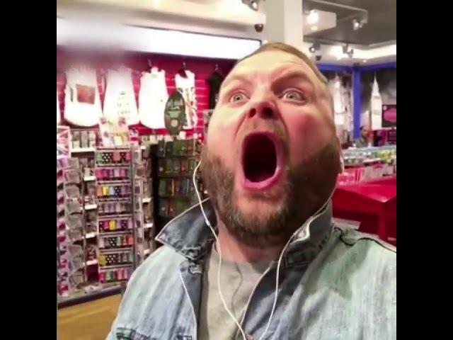 Когда любишь петь в наушниках