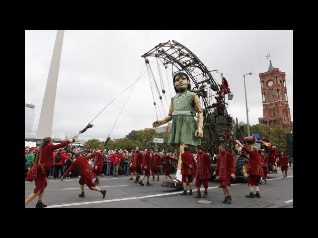 Потрясающее шоу с гигантскими марионетками смотреть онлайн без регистрации