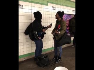 Два гитариста в переходе