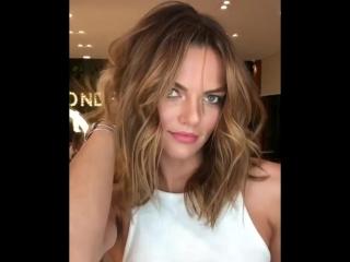 #BarbaraFialho #beauty #model #beautiful #brazilian #linda #blond #hair #hairstyle