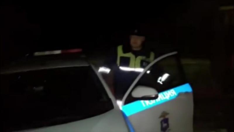 Сбил человека на патрулном авто, забрызгал газом и скрылся