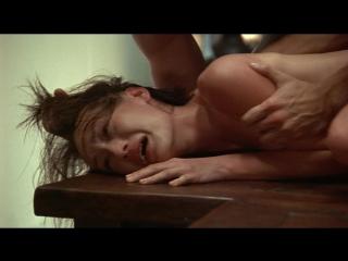 сексуальное насилие (изнасилование, rape) из фильма Обнажённое оружие(Chek law dak gung) - 2002 год