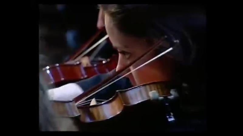 Henrik Chaim Goldschmidt plays 'Gabriel's Oboe'.mp4