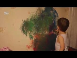 Как мальчик рисует! Высший уровень терпения матери! )))))