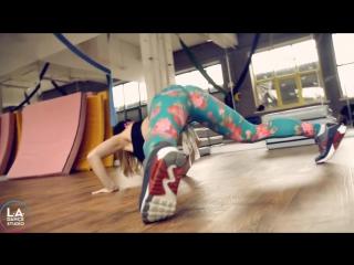 Cardi B - Bodak Yellow Twerk Freestyle by DHQ Kris Moskov from AussieTwerk
