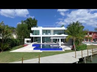Bakara «SESTO SENSO» Ультрасовременная архитектура и непревзойденное качество 5004 N Bay Rd Miami Beach , FL 33140