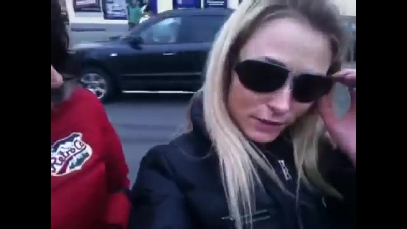 Laura Crystal with Leonelle Knox going for a tram ride