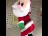 Танцы, попы. А Санта на работе.