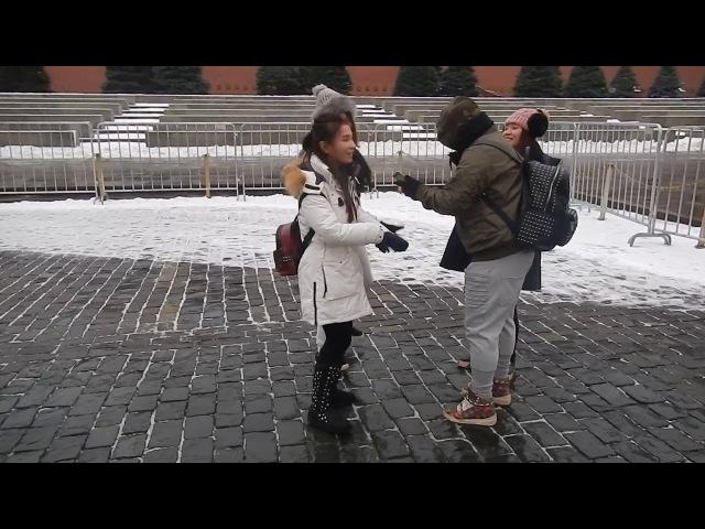 Москва | Японка танцует у мавзолея на Красной площади
