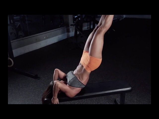 MICHELLE LEWIN Workout Ab Hamstring routine on FITPLAN