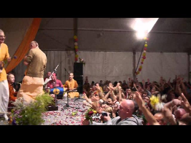 Prabhavishnu Swami Kirtan Sadhu-Sanga 2011 part 2