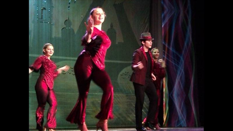 Фестиваль Хоровод друзей в Санкт-П-ге в ДК Московский.Танцует молодежь