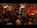 Вечеринка продолжается глубоко за полночь. Популярная народная ирландская песня, ставшая одним из неофициальных символов Ирланди