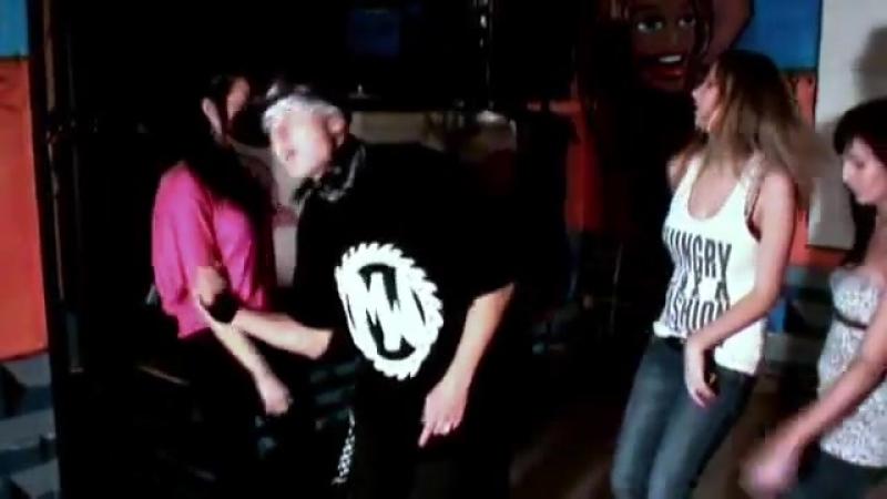 MW - Hej Ženy 2 (feat. DeSade Curwa)