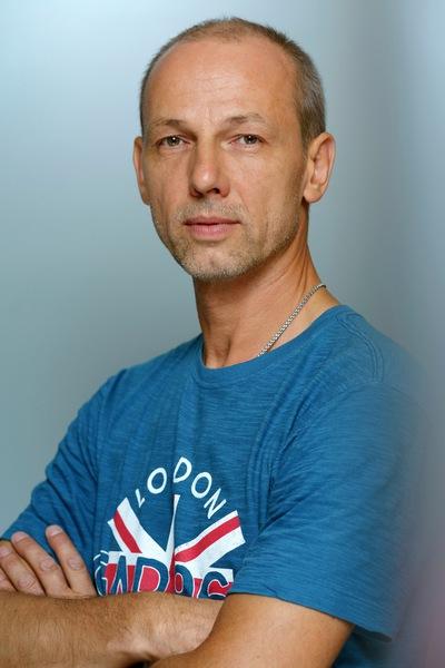 Антон Овчаров