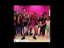 Espaiderman bailando en escuela Take On Me spiderman dancing
