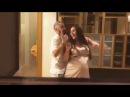 Мот танцует со своей беременной женой
