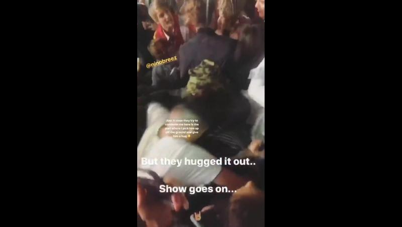 XXXTentacion обнимает фаната, который ударил его в лицо (instagram stories 22.10)