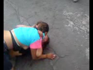 good body to body pelea in the street