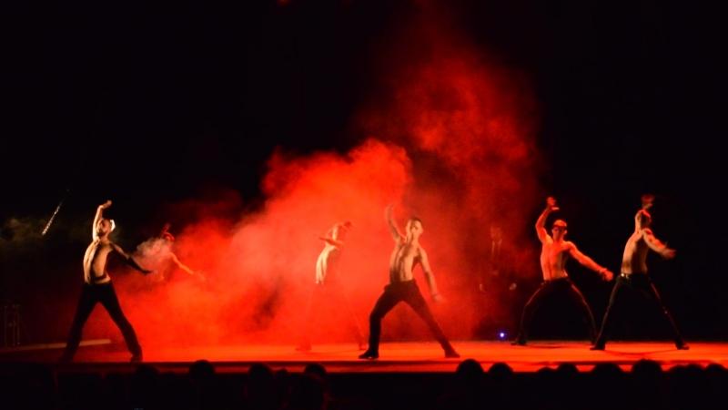 Искушение. Шоу под дождем 2. Дышу тобой. » Freewka.com - Смотреть онлайн в хорощем качестве