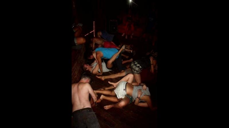 Урок камбоджийских танцев