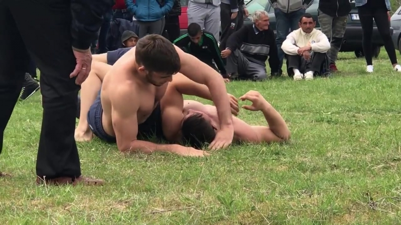 02._Tradition_wrestling_from_Bulgaria,_Goliam_Manastirbulwrest58