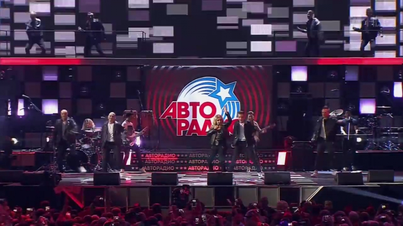 Bonnie Tyler - Holding Out For A Hero (Disco 80 Moscow 2017)