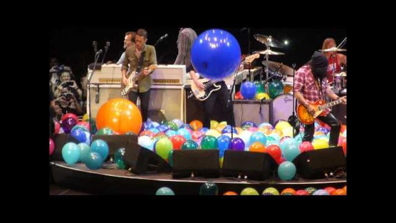 Foo Fighters - Tie Your Mother Down (W/ Slash Tenacious D) (The Forum,Los Angeles CA 1/10/15)
