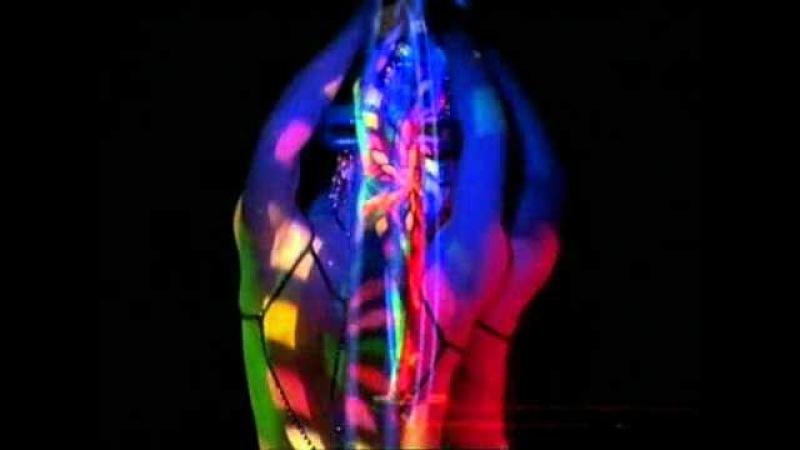 Кабаре-шоу Crazy Horse - Arielle Dombasle 2008