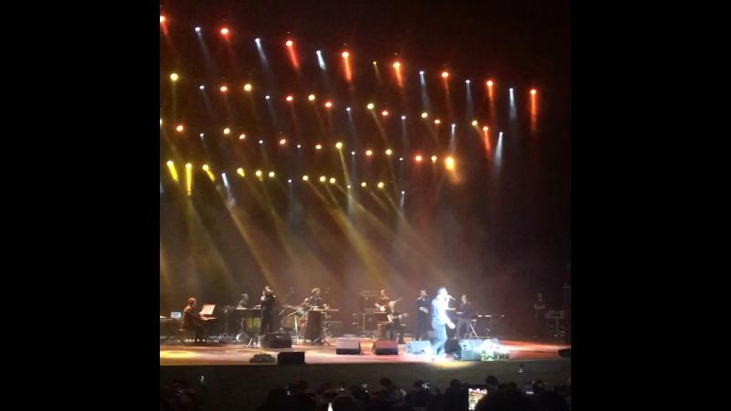На концерте Мустафы Сандала