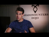 Alberto Rosende has some tips on how to dress up as Simon Lewis for Halloween.