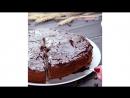 Шоколадный кекс с творожными шариками