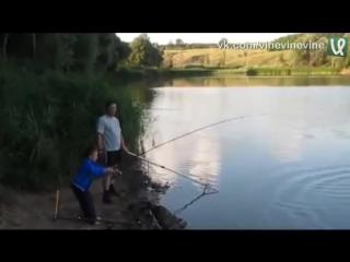 Словил огромную рыбу