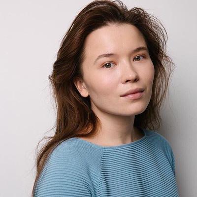 Янина Тихонова