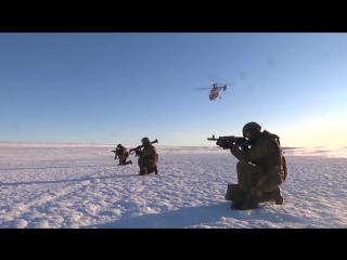 Высадка арктических мотострелков на остров Голомянный архипелага Северная Земля