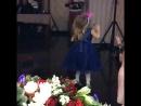 Катя танцует