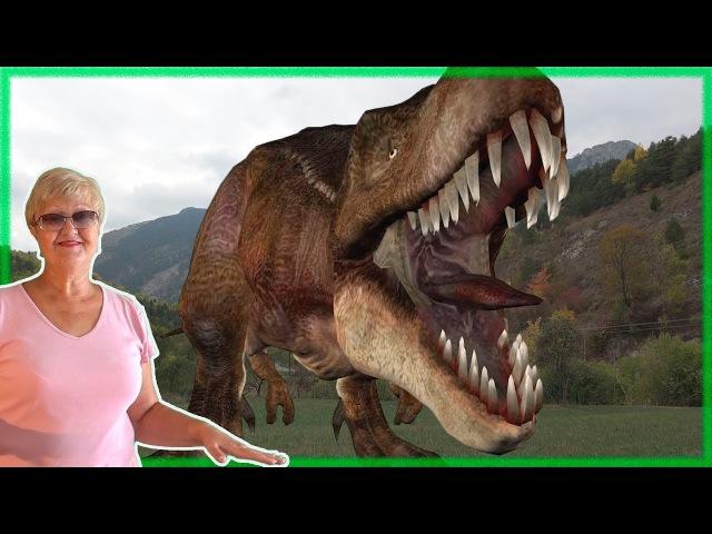 The dinosaur attacked, it's scary! / Напал динозавр, это страшно!