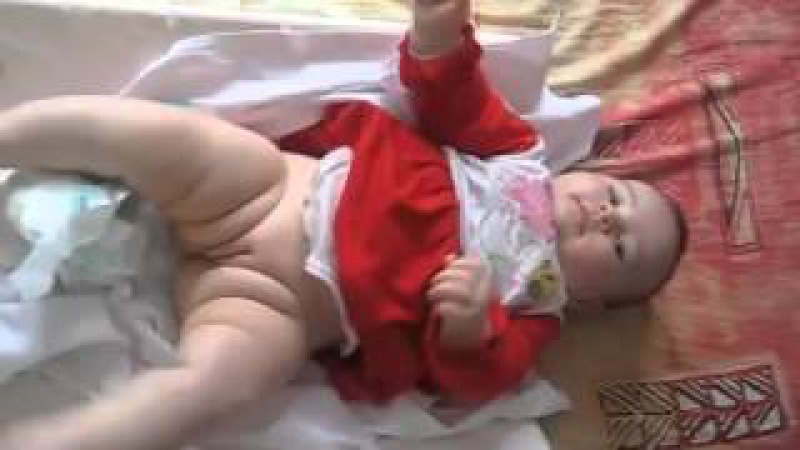 Bebe 6 luni
