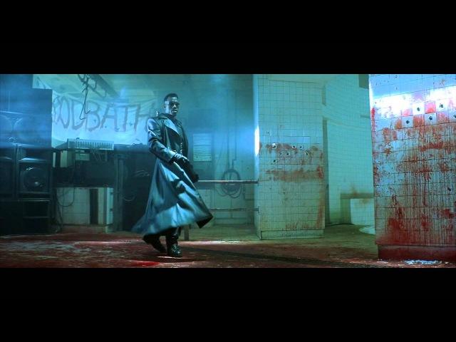 Блэйд - первая сцена встречи с вампирами.