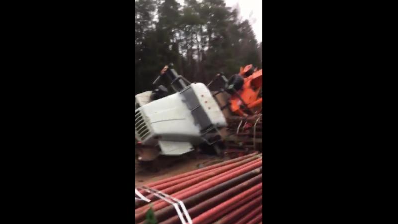 Падение многотонного автокрана в Зеленограде