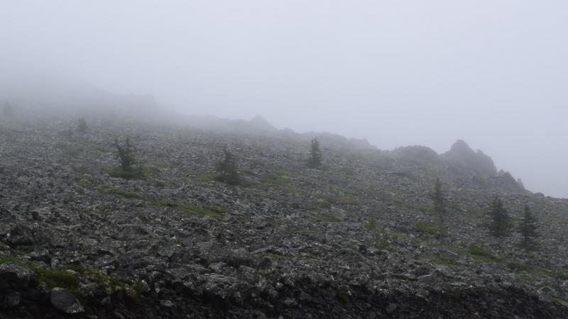 Гора, ветер и облако